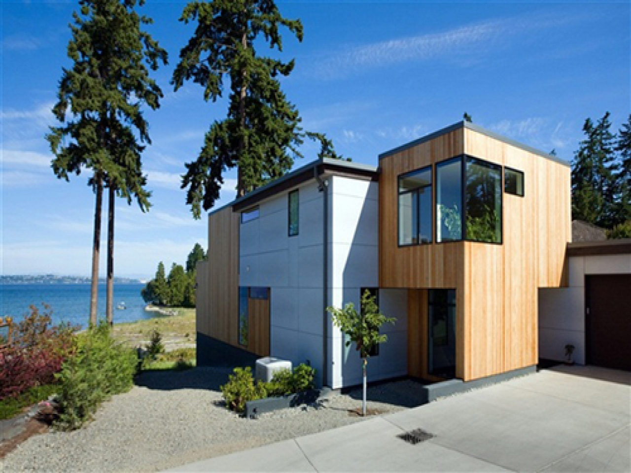Modern waterfront house designs japanese modern landscape for Waterfront home design ideas