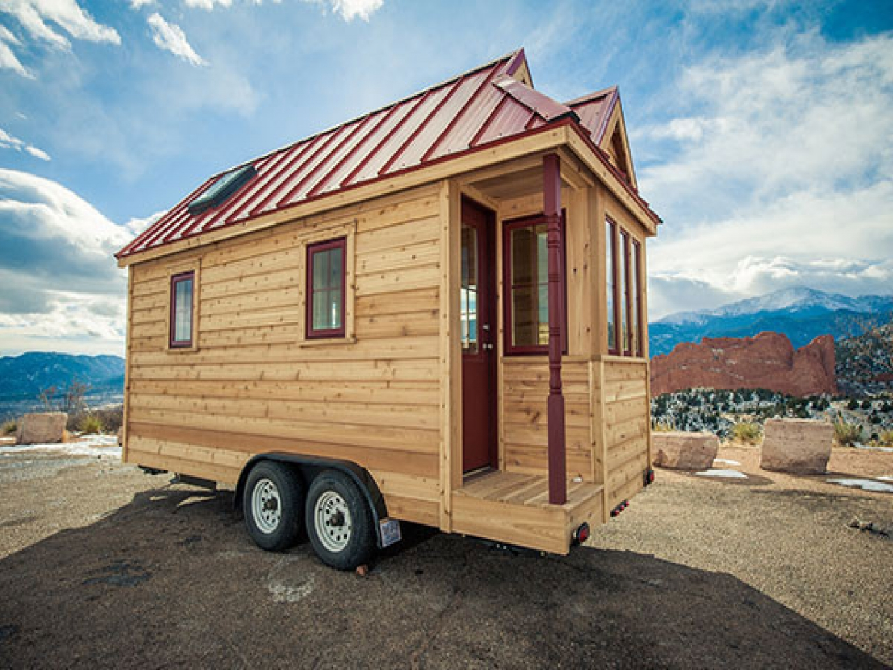 Tiny houses on wheels dealers tiny house on wheels for for Small house plans for sale