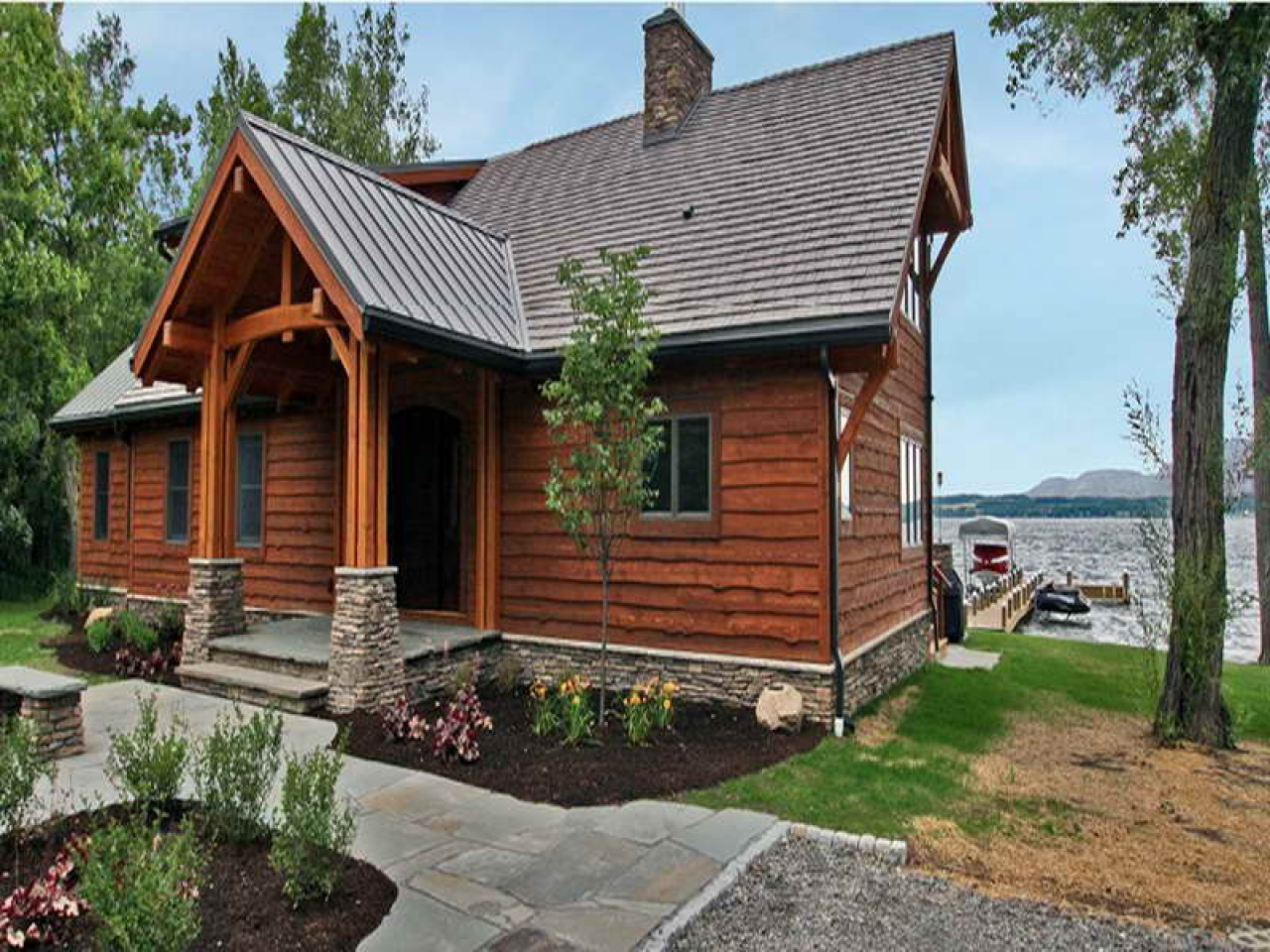 Small lakefront home plans small retirement home plans for Lakeside cabin plans