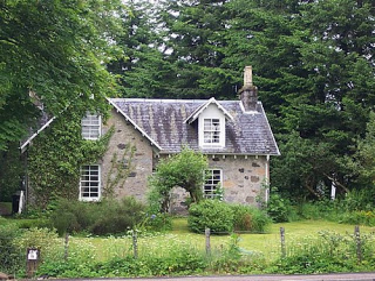 Small Country Cottage Home Shabby Chic Country Cottage