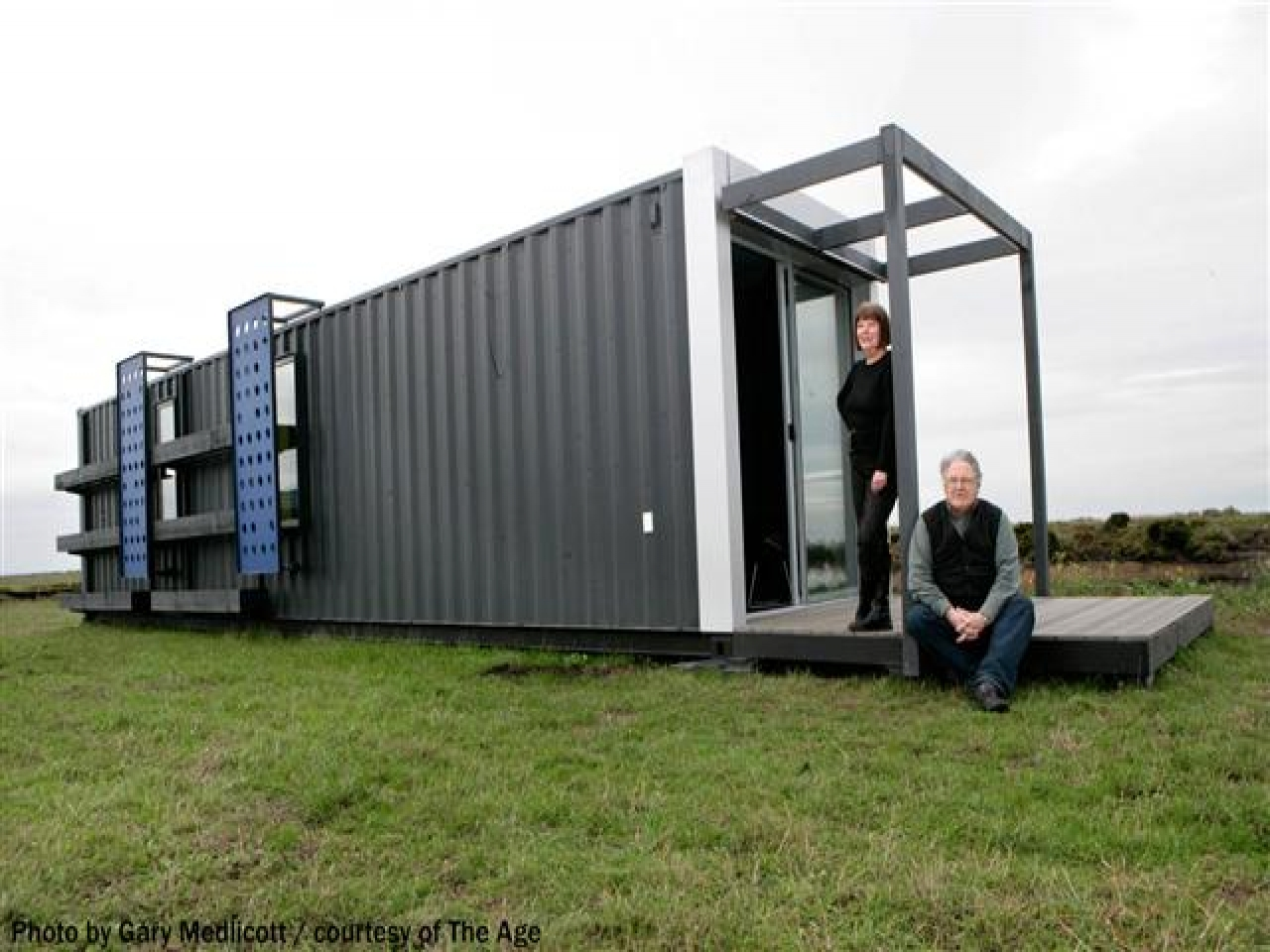 4 bedroom shipping container homes shipping containers as homes beach house builders victoria - Container home builders ...