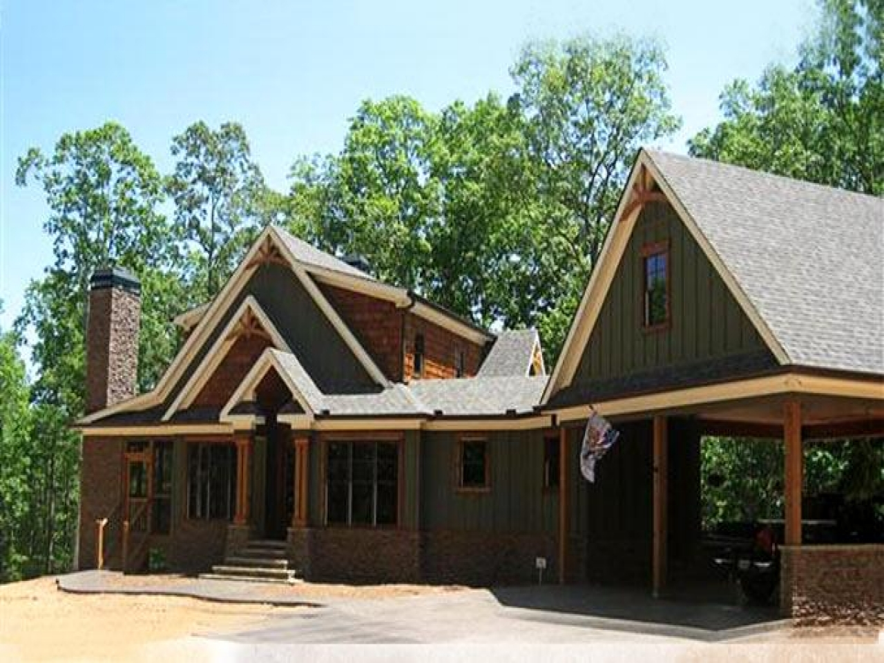 Cottage house plans with garage cottage house plans with for Cabin floor plans with walkout basement