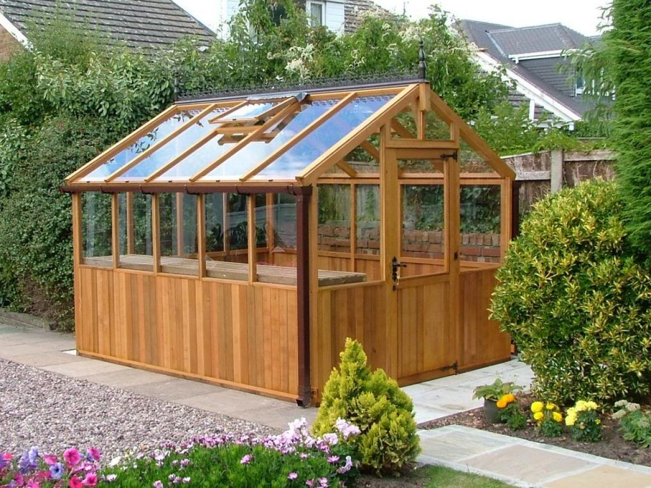 Best greenhouse plans back yard greenhouse plans building for Tiny house with greenhouse