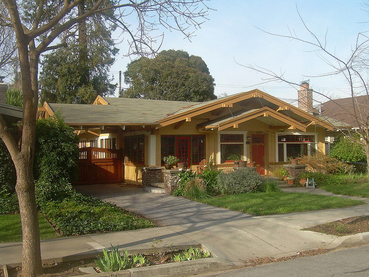 California craftsman bungalow style homes craftsman for Windows for craftsman style homes