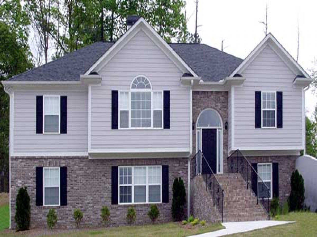 Raised ranch homes house plans colonial house raised home for Colonial ranch house plans
