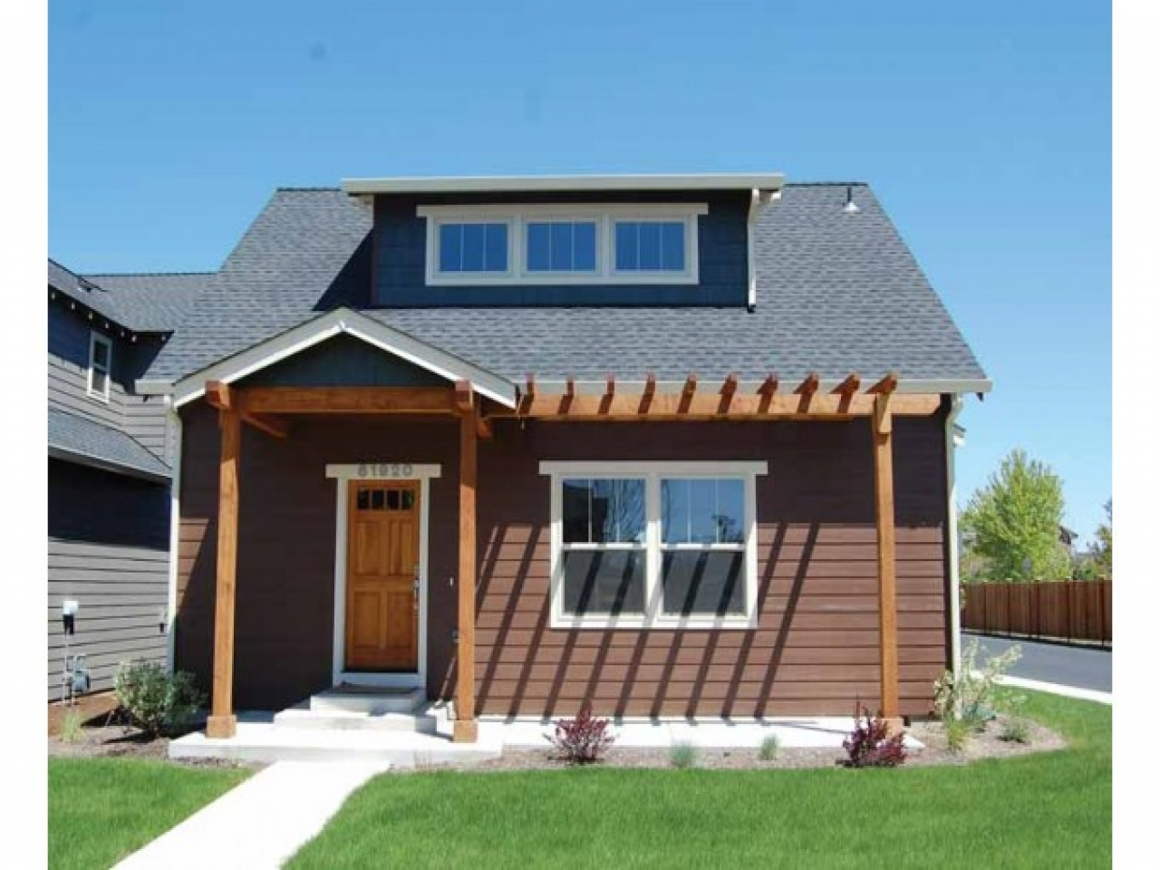 Craftsman one story homes one story craftsman bungalow for 1 story craftsman style house plans
