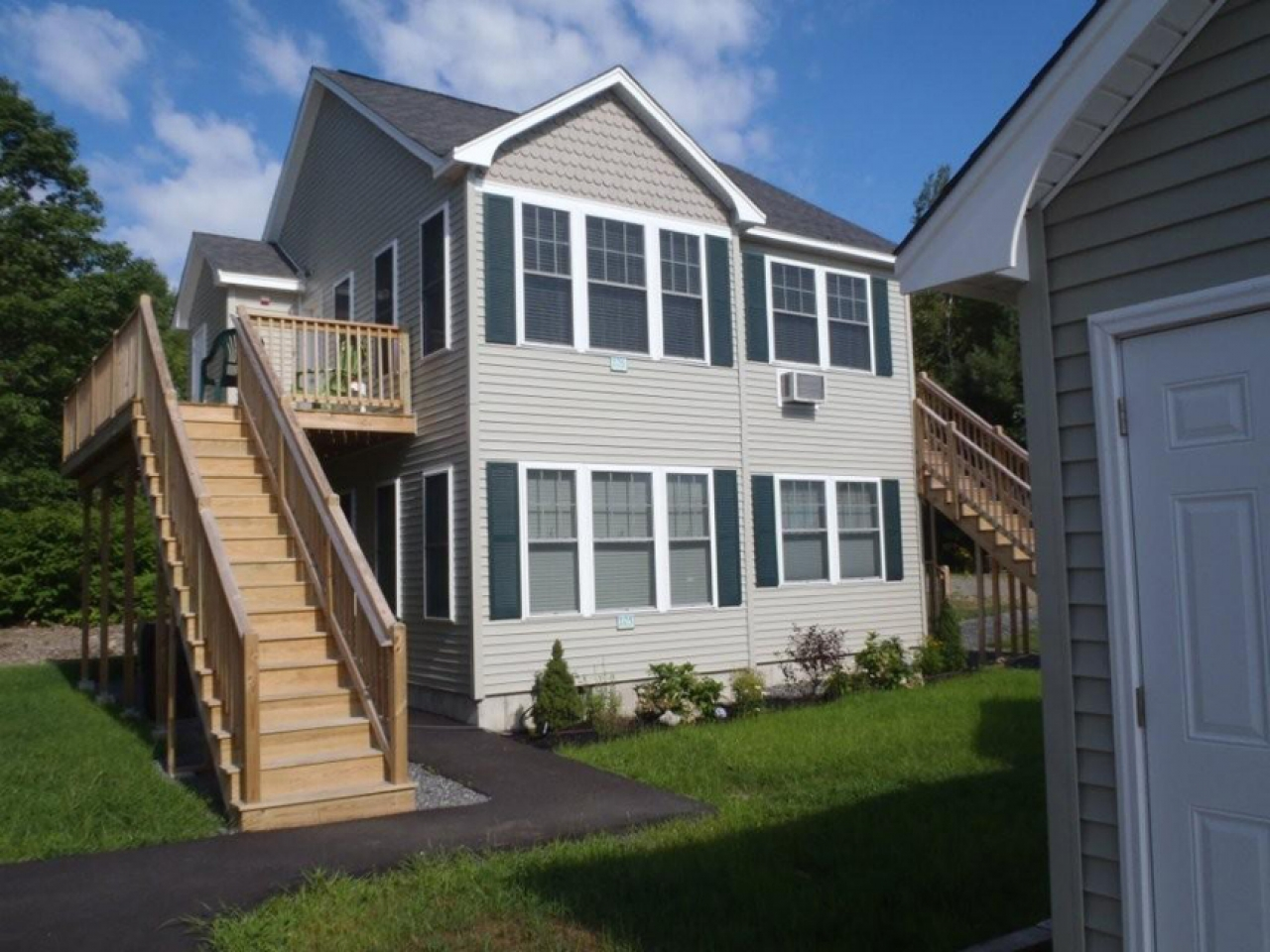 Barefoot cottage newburgh indiana barefoot cottages wells for Maine cottage plans