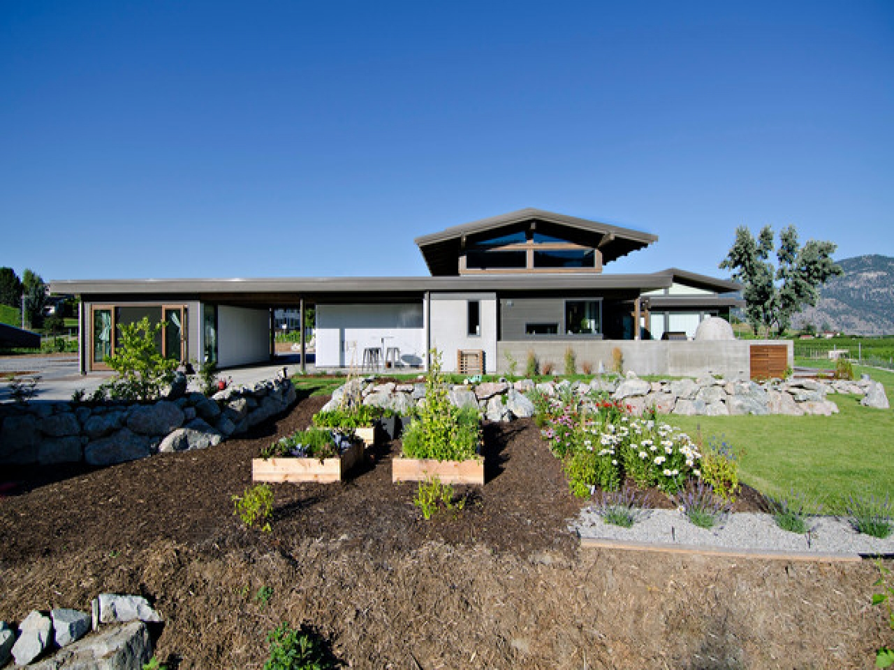 Modern craftsman custom homes traditional craftsman homes for Custom craftsman homes