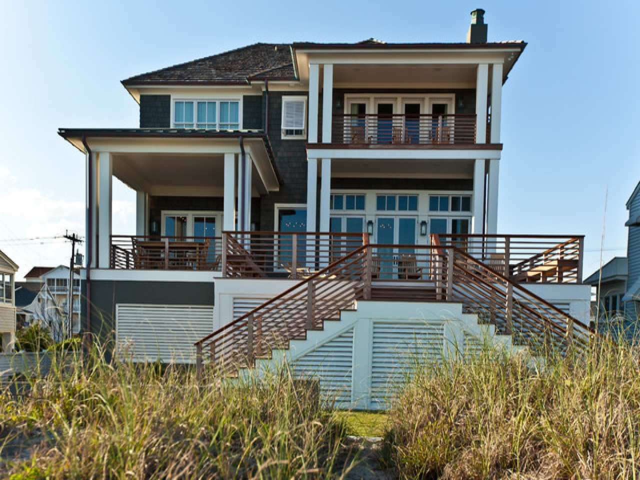Beach house exterior color schemes beach house exterior for Beach style house exterior