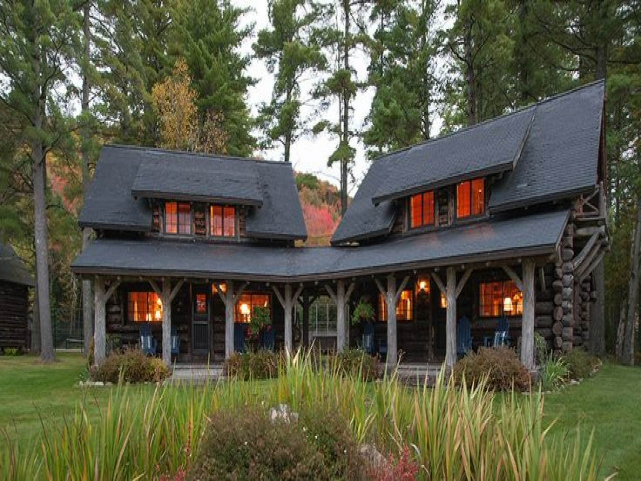 Single story log cabin homes single story luxury mountain for One story log homes