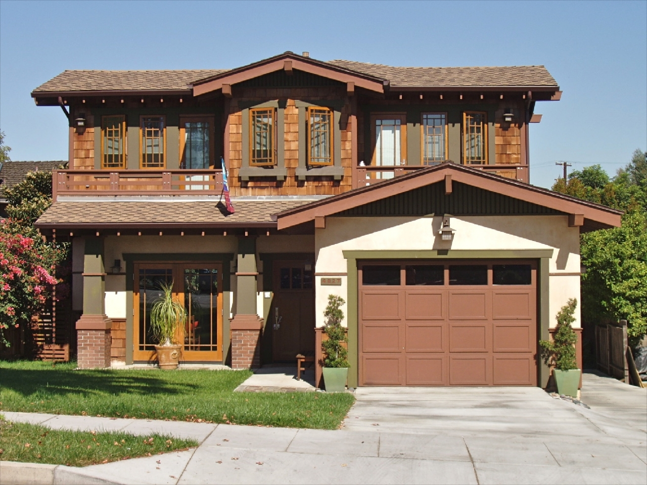 California craftsman bungalow houses california craftsman - What is a bungalow house ...