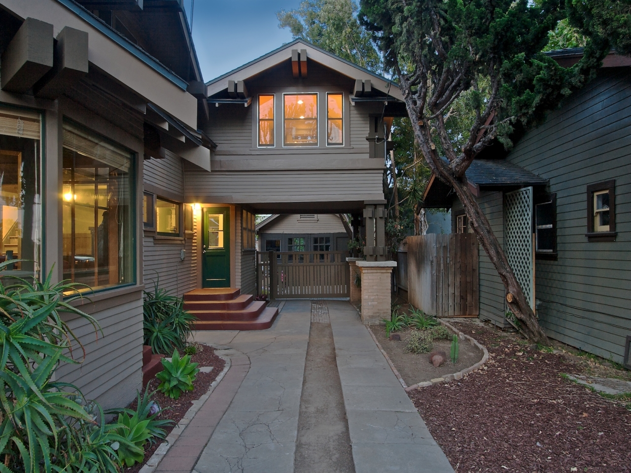 California craftsman bungalow style homes california for California bungalow house