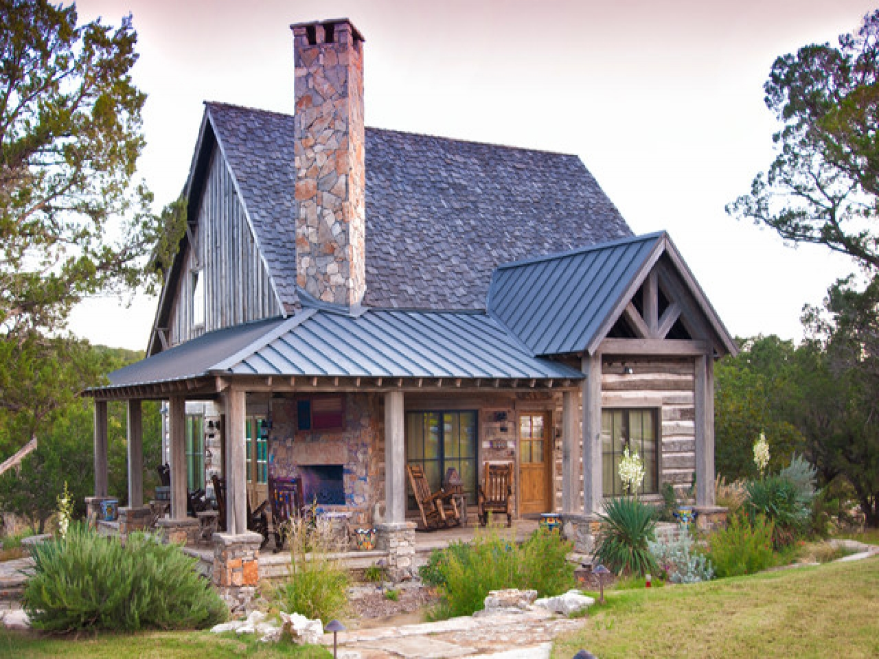 Rustic Cabin Exterior Ideas Log Cabin Exterior Paint Colors small vacation cabin plans