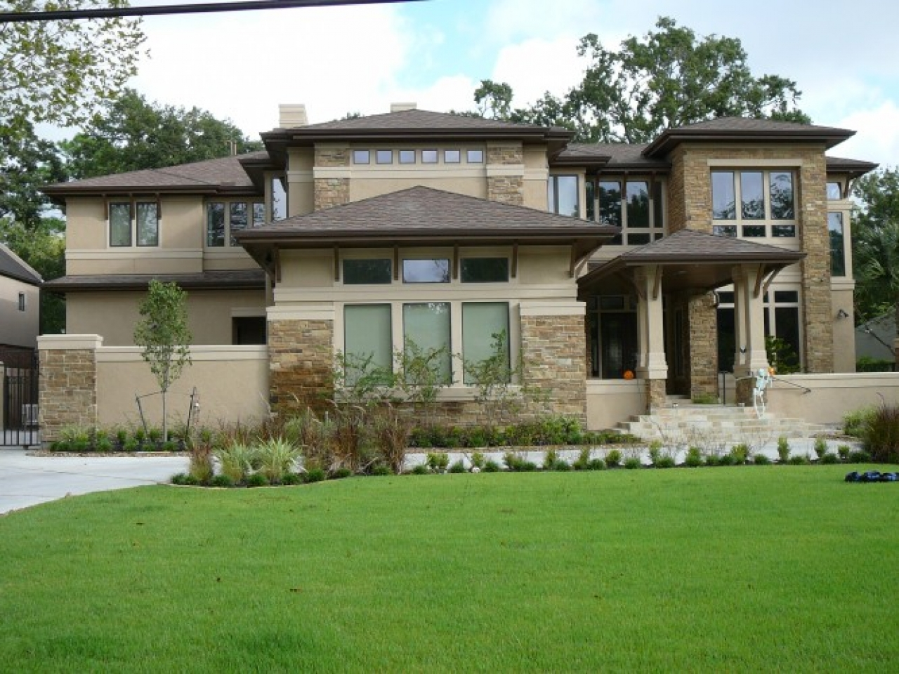 Urban craftsman style home contemporary craftsman style for Craftsman builders