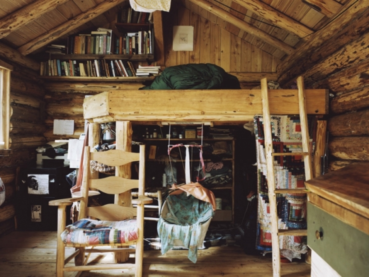 Cheapest one room cabin kit small one room cabin interiors for Single room log cabin kits